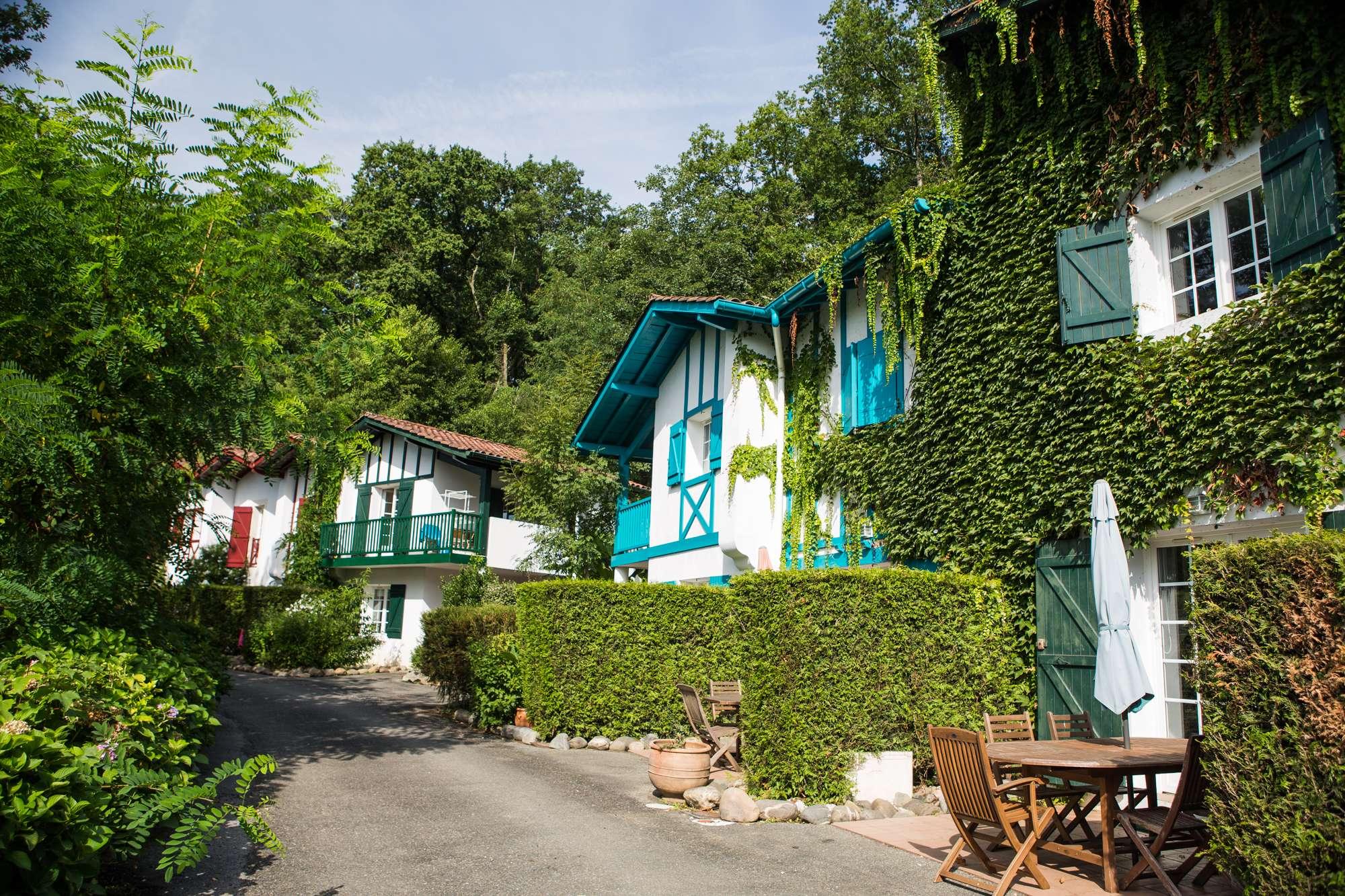 les collines d 39 iduki location de vacances au calme du pays basque. Black Bedroom Furniture Sets. Home Design Ideas